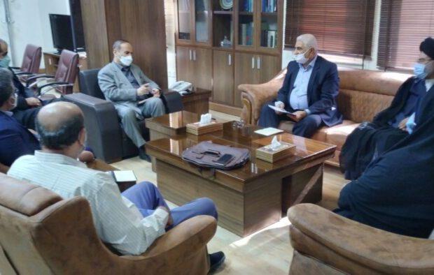 استاندار خوزستان: خدمت به خانواده شهدا عبادت است