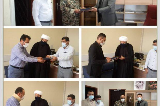 تجلیل و تقدیر از کارگران بسیجی توسط مدیر منطقه ۲ شهرداری اهواز