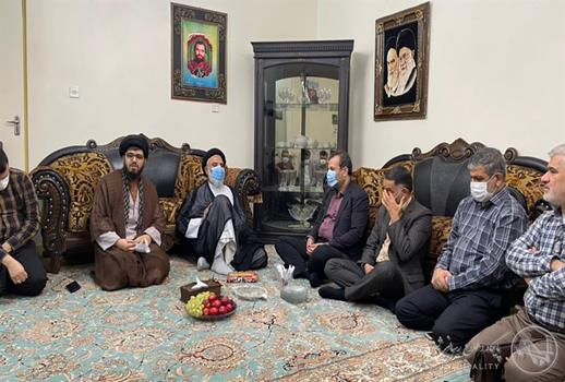 دیدار شهردار اهواز با خانواده شهید علی هاشمی  همزمان با سالگرد شهادت سردار هور