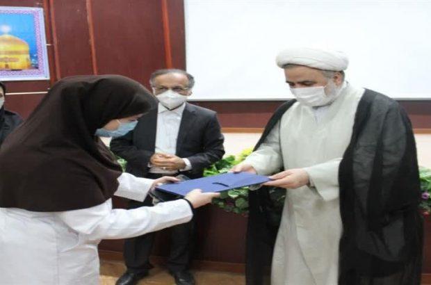 با حضور رئیس کل دادگستری خوزستان صورت گرفت؛ تقدیر از کارمندان فعال و نمونه سازمان پزشکی قانونی