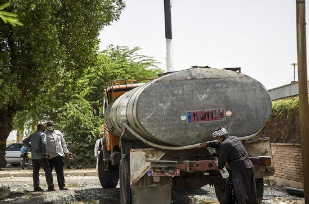 توزیع ۴ هزار بطری آب در ۲۸ روستای متاثر از تنشهای آبی در خوزستان