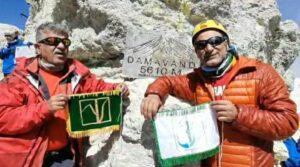 صعود کوهنوردان توسعه نیشکر به بام ایران ، نیشکریها بر فراز قله دماوند ایستادند.