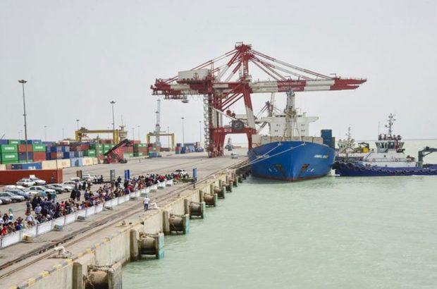 پهلوگیری ۱۱۸ فروند کشتی حامل کالاهای اساسی در بندر امام