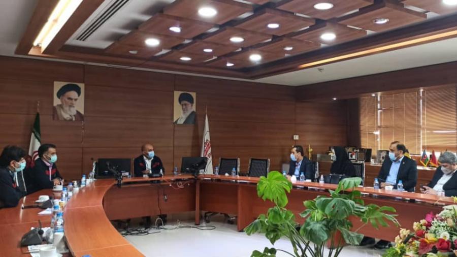 جلسه مشترک مدیرعامل شرکت فولاد اکسین خوزستان با مدیر شعب بانک تجارت استان خوزستان برگزار شد