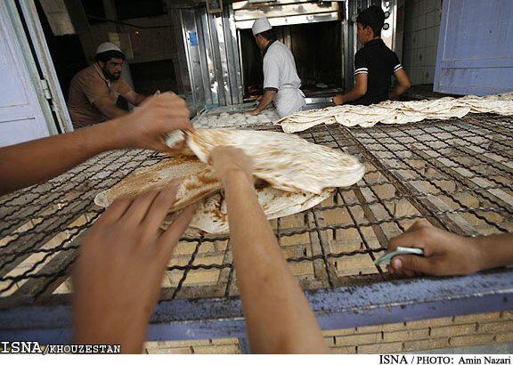 هرگونه افزایش قیمت نان تخلف است / تخلفات را به ۱۲۴ اعلام کنید