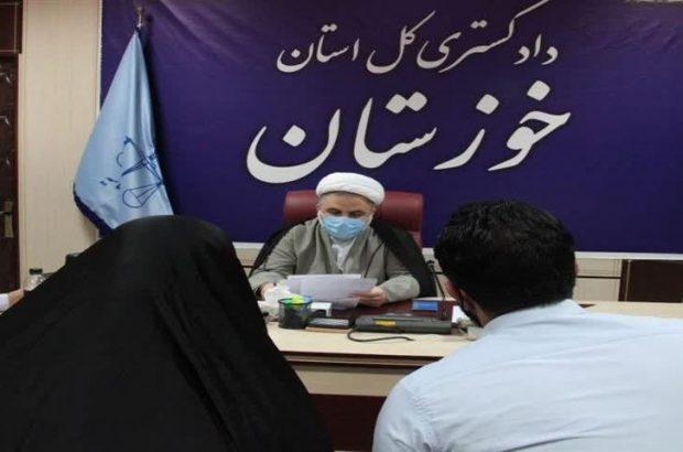 دیدار بیش از ۴۲ نفر از مراجعه کنندگان و کارمندان با مسئولان قضایی خوزستان