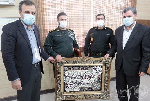 شهردار اهواز: تلاشهای بی وقفه و اقدامات ارزشمند نیروی انتظامی در نظم بخشیدن به شهر شایسته تقدیر است