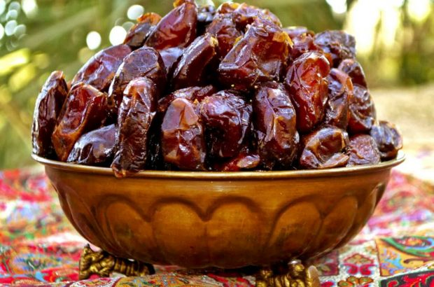 آغاز خرید تضمینی خرمای استعمران پس از ۱۷ سال در خوزستان/ بیش از ۵۰ تن خارک و رطب روانه بازار شده است